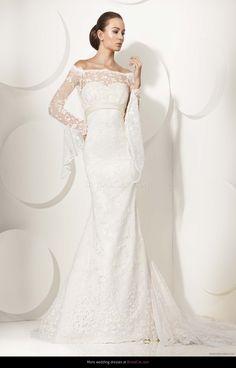 Sleeves! Wedding dress Franc Sarabia 27 2012 - BridalCat.com