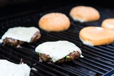 Southwest Pfeffer Jack Burgers sind mit Geschmack verpackt und mit frischen Zutaten belegt.