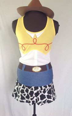 Jessie Cowgirl inspired complete running outfit by iGlowRunning Disney Princess Half Marathon, Disney Marathon, Run Disney Costumes, Running Costumes, Disney Races, Disney 5k, Disney Ideas, Disney Running Outfits, Best Running Shorts