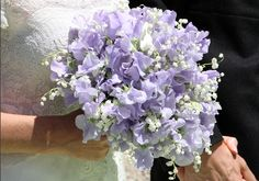Ramo violeta  sweet peas and lily of the valley
