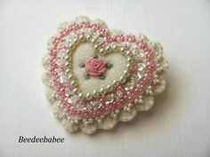 Heart brooch / Felt Heart Pin by Beedeebabee on Etsy… Felt Embroidery, Embroidery Designs, Fabric Hearts, Felt Decorations, Heart Crafts, Felt Christmas Ornaments, Felt Brooch, Felt Hearts, Felt Flowers
