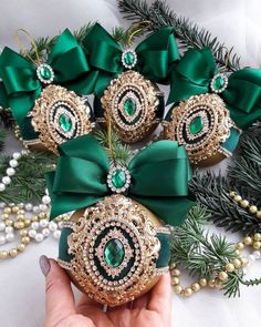 1 million+ Stunning Free Images to Use Anywhere Handmade Christmas Decorations, Christmas Ornament Crafts, Christmas Baubles, Christmas Projects, Christmas Crafts, Christmas Wreaths, Xmas, Peacock Christmas, Ornaments Design