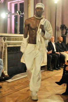 Rihanna is Headed To The City Of Light Again; Will Show Her Puma Collection At Paris Fashion Week Fine Black Men, Black Boys, Fine Men, Pretty Men, Pretty Boys, Cute Boys, Mode Masculine, Black Is Beautiful, Beautiful Boys