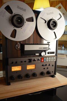 Ampex-ATR-700 - www.remix-numerisation.fr - Rendez vos souvenirs durables ! - Sauvegarde - Transfert - Copie - Restauration de bande magnétique Audio - MiniDisc - Cassette Audio et Cassette VHS - VHSC - SVHSC - Video8 - Hi8 - Digital8 - MiniDv - Laserdisc