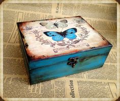 Personalized Box, Wooden jewelry box, Elegant gift, Butterfly Effect box, love b. Decoupage Vintage, Decoupage Box, Cigar Box Art, Cigar Box Crafts, Shabby Chic Boxes, Shabby Chic Crafts, Diy Wood Box, Wooden Box Crafts, Painted Wooden Boxes