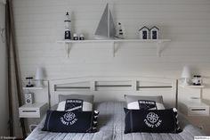 sovrum,sägn,marin,båt,segelbåt,pir,kuddar