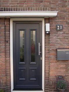 Entryway Decor, Ramen, Architecture Design, Sweet Home, Garage Doors, Exterior, House Design, Windows, Outdoor Decor