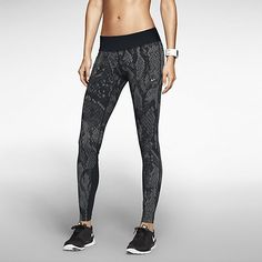 Nike Epic Lux Printed Women's Running Tights size m Sport Fashion, Fitness Fashion, Women's Fitness, Fitness Apparel, Nike Store, Sporty Girls, Running Tights, Running Gear, Workout Wear
