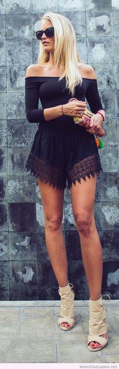 Off-shoulder Lace Patchwork Long Sleeves Short Jumpsuit