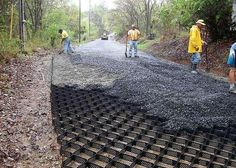Road Engineers Should Know These Road Building Techniques - Engineering Feed Permeable Driveway, Concrete Driveways, Gravel Driveway, Building A Pergola, Pergola Plans, Building Ideas, Grass Pavers, Pergola Images, Driveway Design