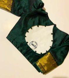 New Saree Blouse Designs, Blouse Designs High Neck, Cutwork Blouse Designs, Patch Work Blouse Designs, Simple Blouse Designs, Stylish Blouse Design, Latest Blouse Designs, Sari Blouse, Saree Belt