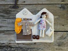 Bambola da viaggio con casetta by mylittlestudio76