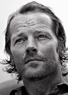 Iain Glen should have been Bond, not Daniel Craig...charisma, done right