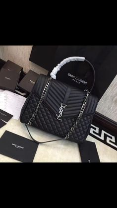 Tips on Protecting and Selling Your Designer Handbag Investment Chanel Handbags, Fashion Handbags, Purses And Handbags, Fashion Bags, Fashion Purses, Dior Bags, Luxury Purses, Luxury Bags, Luxury Handbags