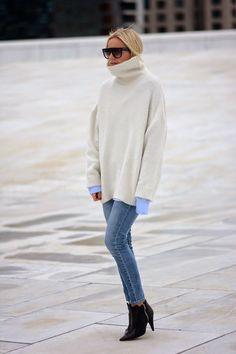Celine Aagaard // hippiehippiemilkshake // OVERSIZED & WHITE Sweater and denim look