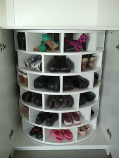 Although a woman can NEVER have too many shoes, it is sometimes hard to store and then relocate them.    This take on a lazy susan will fix that problem.    It's a great idea, don't you think?