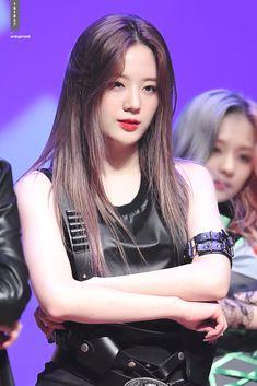 181027 #장규리 #프로미스나인 #fromis_9 #gyuri Kpop Girl Groups, Kpop Girls, Our Girl, Beautiful Asian Girls, Me As A Girlfriend, Pop Group, K Idols, Korean Singer, Cute Girls