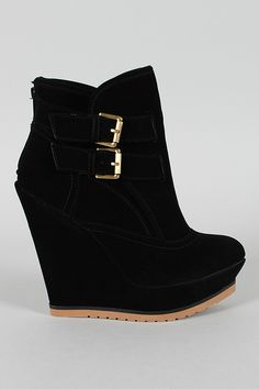 Get perfect match to your favorite outfit with these stylish and comfy wedge booties! Featuring smooth velvet upper, pointy toe front, buckles and stitching accents on shaft, covered platform and wedge heel. Finished with cushioned insole and smooth interior lining for your comfort. Rear zipper closure for easy on/off.