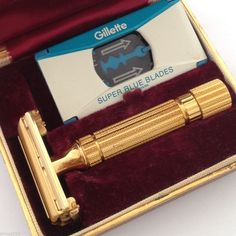 Vintage 1940's Gillette Aristocrat Safety Razor with Case and Blade #Gillette #SafetyRazor