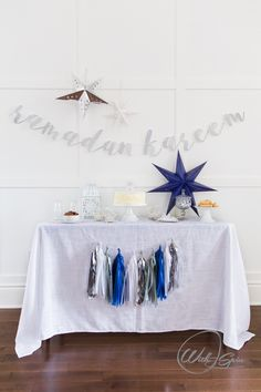 The With A Spin Cursive Eid Mubarak Banner lets you welcome Eid Mubarak in a classic way. The beautifully designed Eid Mubarak banner is made of elegant cursive letters that are precisely cut to evoke a calm and serene environment. Ramadan Gifts, 2018 Ramadan, Ramadan Decorations, Festival Decorations, Table Decorations, White Paper Lanterns, Small Lanterns, Eid Banner, Prayers