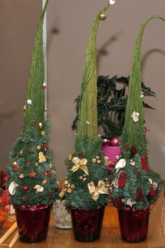 """Képtalálat a következőre: """"karácsonyi asztaldíszek vázában"""""""