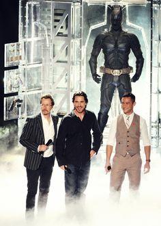 Gary Oldman, Christian Bale, and Joseph Gordon Levitt Henderson Genesis Diaz The Dark Knight Trilogy, The Dark Knight Rises, Batman The Dark Knight, The Dark Knight Cast, Gotham News, Nolan Film, Batman Christian Bale, Good Knight, Joseph Gordon