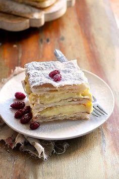 Millefeuille - Recipe Millefeuille with cream Gourmet Recipes, Sweet Recipes, Dessert Recipes, Torte Cake, Cereal Recipes, Pastry Cake, Fondant Cakes, Fondant Figures, Fancy Cakes