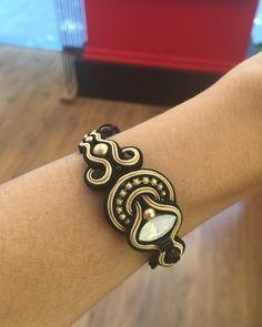 Ascot day to evening bracelet by Dori Csengeri  #doricsengeri #daytoevening #dorijewelry #thinbracelet #fashionaccessories