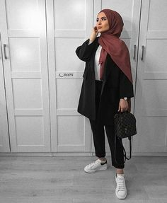- - Source by outfits hijab Modern Hijab Fashion, Street Hijab Fashion, Hijab Fashion Inspiration, Muslim Fashion, Mode Inspiration, Fashion Ideas, Fashion Trends, Casual Hijab Outfit, Hijab Chic