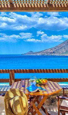 aaaaggghhh...the Greek summer....