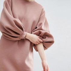 Buy ASOS WHITE Balloon Sleeve Midi Sweat Dress at ASOS. Get the latest trends with ASOS now. Stylish Dress Designs, Stylish Dresses, Warm Dresses, Abaya Fashion, Muslim Fashion, Hijab Mode Inspiration, Look Fashion, Fashion Outfits, Grunge Outfits