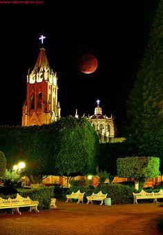 El Jardín / Moroleón, México