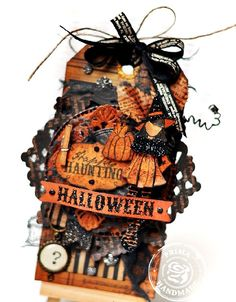 O Happy Haunting Halloween Gift Tag - Ania Hababicka created the most wonderful tag with it! Fröhliches Halloween, Halloween Paper Crafts, Holidays Halloween, Vintage Halloween, Halloween Decorations, Halloween Quotes, Card Tags, Gift Tags, Atc Cards