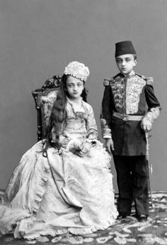 Nazime Sultan (Princess Nazime) the Imperial Princess of Ottoman Empire and Şehzade (Prince) Abdülmecid Efendi the Imperial Prince of Ottoman Empire [later Abdülmecid the last Caliph of Islam the Head of the Imperial House of Osman] Islam, Falling Kingdoms, Elegant Man, Ottoman Empire, Historical Pictures, Historical Costume, Vintage Pictures, Old Photos, Istanbul