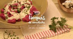 Ñoquis de remolacha con salsa de roquefort