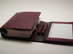 Filofax Balmoral | Flickr - Photo Sharing! *I just looked this up; because it looks right up my ally; but it appears to no longer be in production. Well...BOO!*
