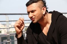 Honey Singh is an Indian best singer. He sings Latest Brand Punjabi Songs in song is one of the best song in which the collection of honey Singh latest songs. Famous Hairstyles, Yo Yo Honey Singh, Latest Celebrity Gossip, J Star, Box Office Collection, Best Background Images, Hairstyle Look, Movie Songs