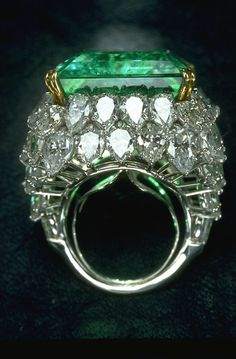 Chalk emerald ring. The superb clarity and color of the Chalk Emerald ranks it among the world's finest Colombian emeralds. This outstanding 37.8-carat emerald exhibits the velvety deep green color that is most highly prized. The finest emeralds are found in the region around Muzo and Chivor, Colombia