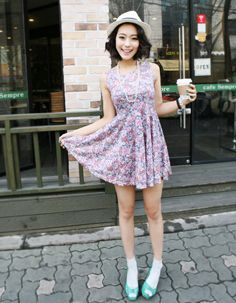 floral printed flare bottom high-waisted dress  CODE: MGM836  Price: SG $37.55 (US $30.28)