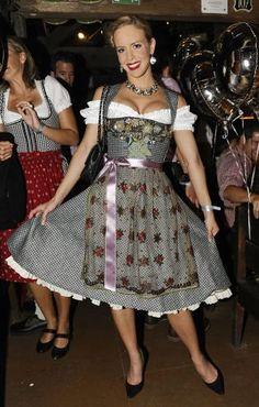 Isabel Edvardsson - Oktoberfest 2011