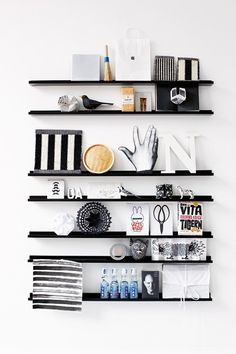 Lastest Home Design. Getting Bored With Your Home? Use These Interior Planning Ideas. Many people want to update their homes, but are unsure of where to start. There are many simple ways to learn about decorating your space. Narrow Shelves, Black Shelves, Wall Shelves, Hallway Shelving, Shelving Display, Floating Shelves, Interior Styling, Interior Decorating, Interior Design