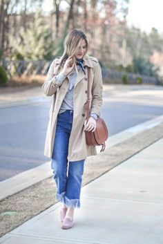 Trench Coat, Jeans with Fringe outfit, Chloe Crossbody, Pink Shoes, How to wear bandana around your neck.