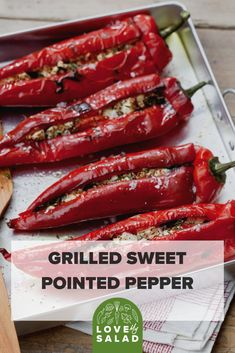For a main course or as a hearty side, these stuffed sweet peppers are always a crowd pleaser. Side Recipes, Dinner Recipes, Feta Stuffed Peppers, Easy Christmas Dinner, Vegetarian Side Dishes, Oven Dishes, Food For A Crowd, Tomato Basil, Bulgaria
