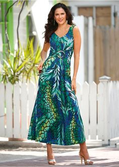 I can't WAIT until it's Maxi-Dress Season again.  Love this one!