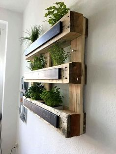 Pallet Vertical Planter - 15 Surprising DIY Pallet Projects for Your New Home - Pallets Pro