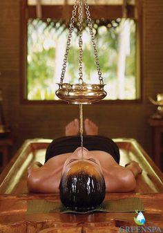Susam yağı, zeytinyağı ve hardal yağı gibi birçok yağın aromasıyla yapılan ayurveda masajı, özellikle ağrıları ve tutulmaları gidermesiyle ünlüdür. Ayurveda masajlardan biri olan Shiroabhyanga masajı; özel yağlar kullanılarak, ritmik hareketler ile baş ve omuz bölgesine uygulanır. Baş ağrısı, uykusuzluk, depresyon için çok iyidir. Rahatlatır ve stresi azaltır.Göz altı şişliklerini, saç dökülmesini, saçın beyazlamasını önler ve saçları güçlendirir. Omuzlarda biriken enerji blokajlarını…