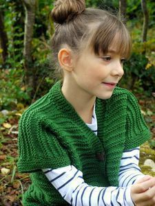 La Mercerie du Faubourg aime ce gilet tricoté en taille 10 ans...