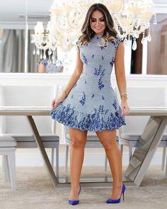 Super Cute Dresses, Simple Dresses, Short Dresses, Petite Fashion, Curvy Fashion, Womens Fashion, Ankara Gown Styles, Frock Design, African Print Fashion
