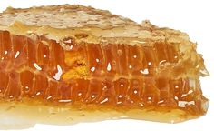 Raw Honeycomb with Bee Bread Honey Love, Pure Honey, Raw Honey, Milk And Honey, Honey Recipes, Desert Recipes, Food N, Food And Drink, Savannah Bee