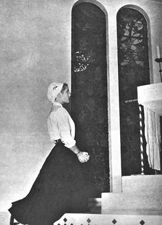 Grace Kelly praying a rosary in the Chapelle de la Madone in France,1955.
